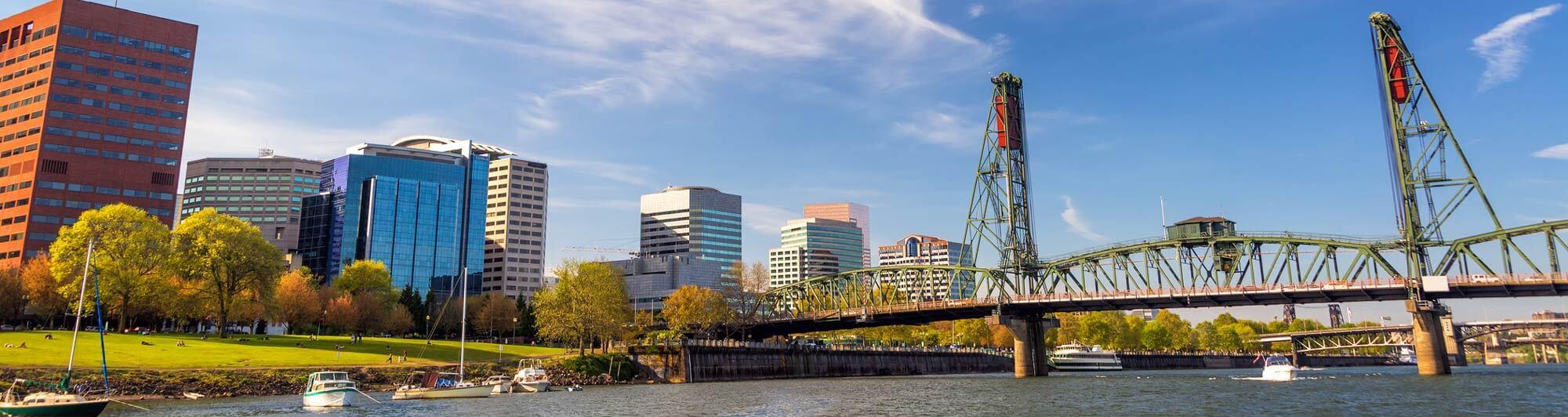 Scene of Hawthorne Bridge