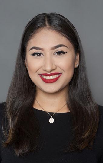 Portrait of Seattle Team Member Flor